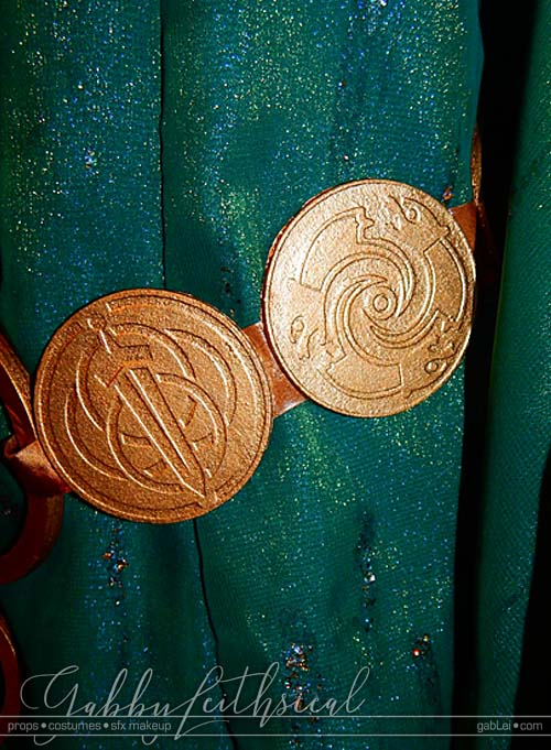 Brave-Queen-Elinor-Costume-Belt-Detail