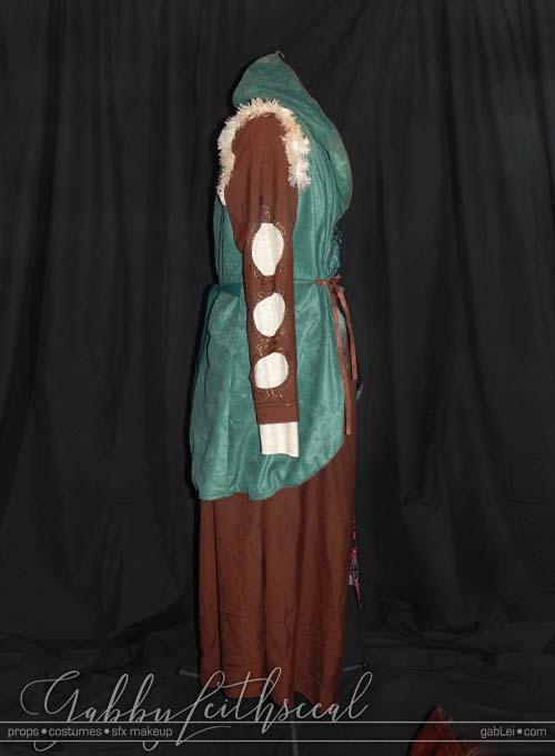 Dark-Fairytale-Grimm-Costume-Side