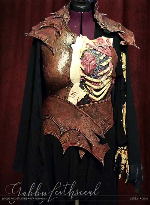 Day-of-the-Dead-Costume-Closeup