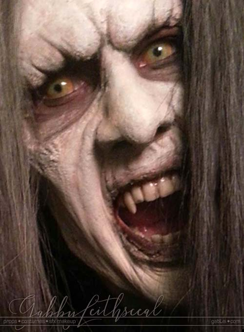 Dracula-Belmont-Costume-Makeup-Fangs
