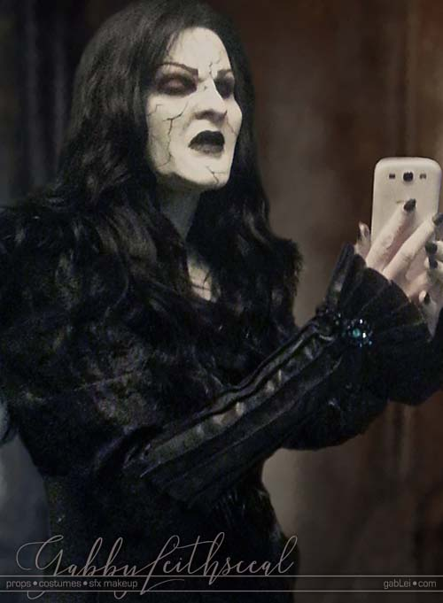 Grand-Witch-Muriel-Costume-Makeup-Selfie