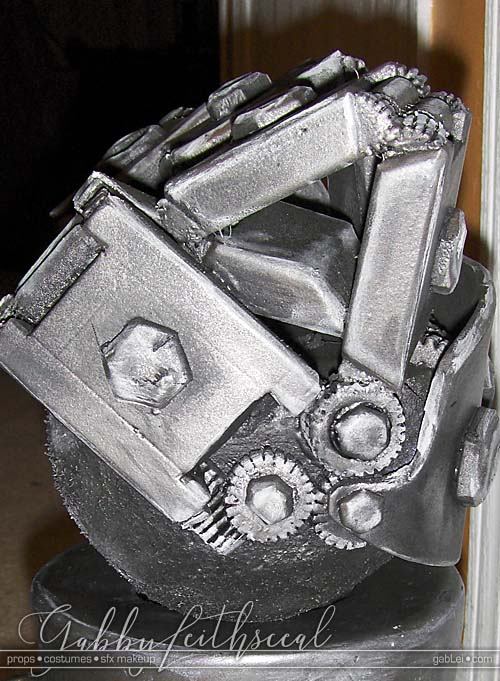 Hellboy-II-Cosplay-Props-Mech-Hand-Gears