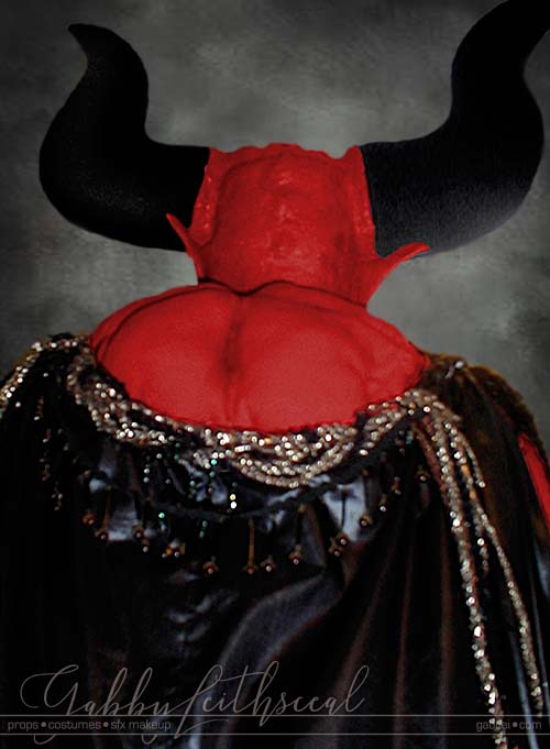 Lord-of-Darkness-Costume-Back-Horns