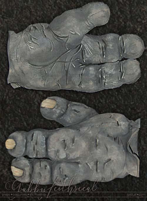 Mr-Wink-Costume-3-Fingered-Hand