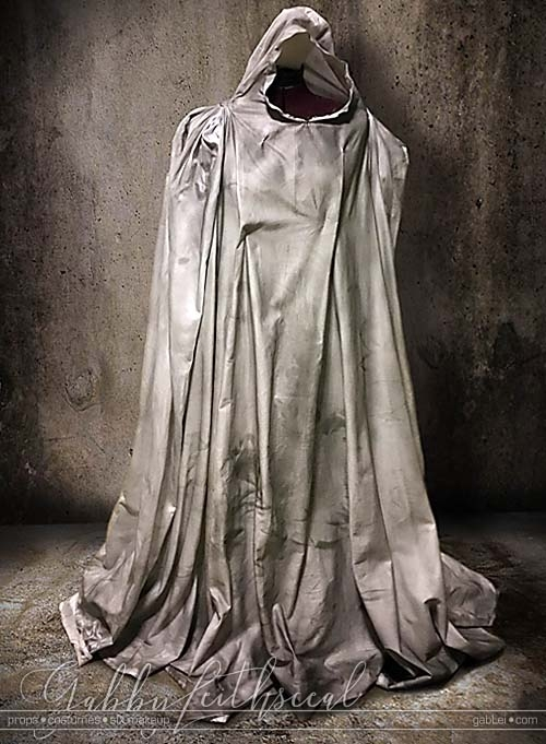 Haunt-Film-Ghost-Costume-Distressing