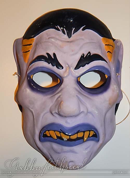 Haunt-Film-Vampire-Mask